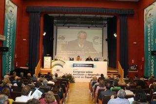 Cáritas denuncia que sólo un tercio de la sociedad española está libre de ser echada del sistema