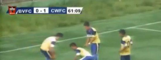 [Vídeo] El gol de la muerte: se parte el cuello un jugador dando volteretas de alegría