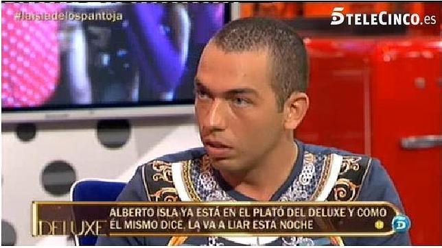 Drogas, sexo y mucha chulería en la bochornosa entrevista a Alberto Isla en el 'Deluxe'