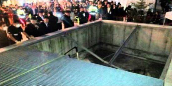 [Vídeo] Mueren 16 jóvenes al caerse a un foso durante un concierto pop