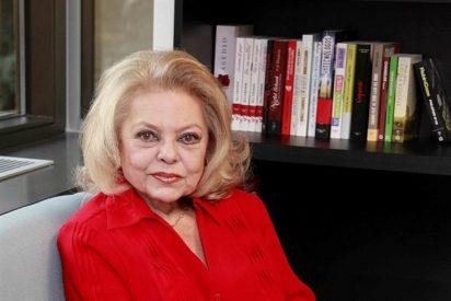 La presentadora Mayra Gómez Kemp presenta sus memorias