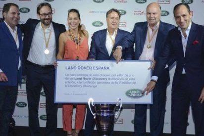 Ángel Martín y la presentadora Beatriz Pino ganan la V edición del Land Rover Discovery Challenge 2014