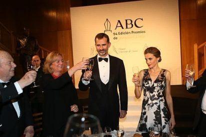 Los Reyes, la viva imagen de la felicidad en los Premios Internacionales de Periodismo