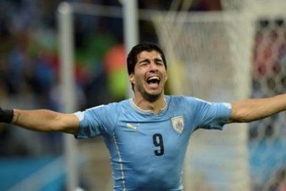 ¡A Luis Suárez le entra 'un apretón' en mitad del partido!