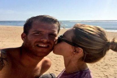 Morcillo aprovecha el día libre para presumir de novia en la playa