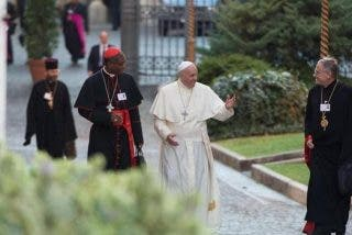 """Sínodo: """"La Eucaristía no es el sacramento de los perfectos, sino de aquellos que están en camino"""""""