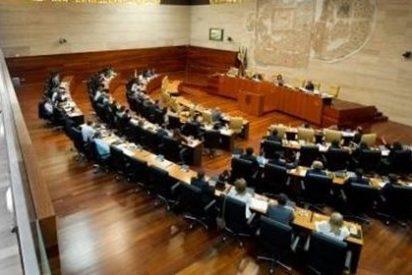 Un sondeo sitúa a Podemos como la llave de gobierno en Extremadura