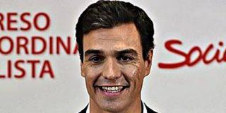 """Pedro Sánchez, líder del PSOE, dice que en España """"sobra"""" el Ministerio de Defensa"""