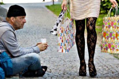 El difícil equilibrio: Las 20 personas más ricas de España poseen tanto como el 30% más pobre
