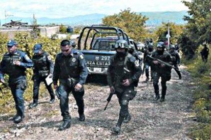 La policía municipal entregó los 43 estudiantes al narco y los sicarios los quemaron vivos en una fosa