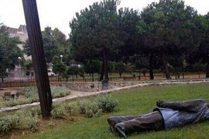 """Santiago González pide que dejen en pie la estatua de Pujol como recuerdo de tiempos """"miserables y majaderos"""""""