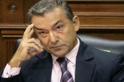 Y ahora nos sale el 'pobre' Paulino Rivero con el referendum canario
