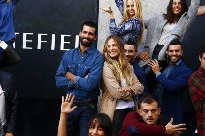 Rubén Cortada y Martina Klein, dos guapos de flashmob en pleno centro de Madrid
