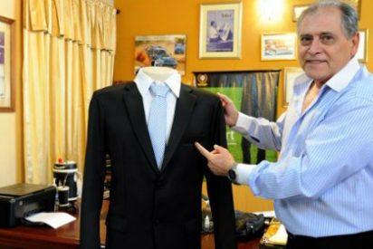 """Una sastrería vende trajes sin bolsillos para 'cortar' a los corruptos: """"Pongamos de moda la honestidad"""""""
