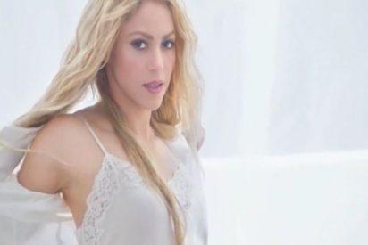 El sensual 'striptease' de Shakira en su último anuncio