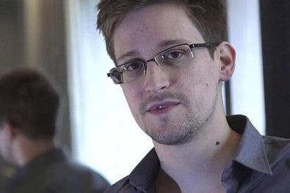 """Snowden afirma que: """"Google y Apple no permiten que exista el botón 'No me espíes' en el teléfono""""; """"Pueden verlo todo"""""""