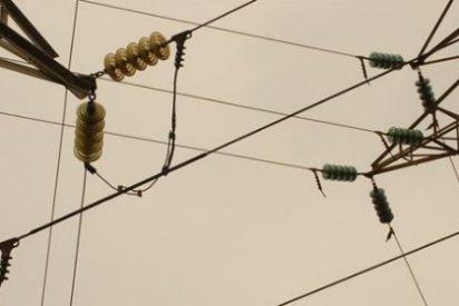 El déficit de tarifa del sistema eléctrico alcanza 3.363 millones hasta julio de 2014