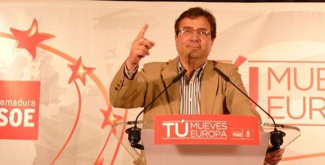 """El socialista Fernández Vara considera que una alianza PSOE-PP frente a Podemos sería un """"error garrafal"""""""