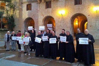 Monjes de Montserrat se manifiestan por el derecho a decidir