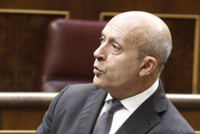 """Wert defiende la FP básica mientras PSOE y CiU le acusan de querer """"esconder"""" el fracaso escolar"""