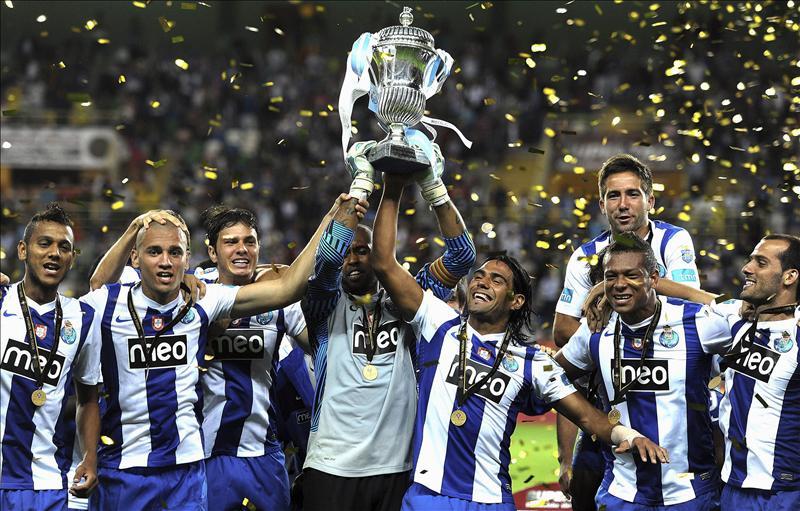 Abuchean al jugador español en Oporto