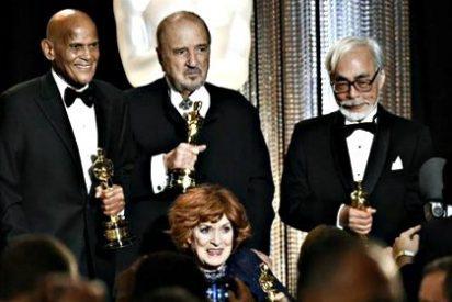 Maureen O'Hara, Hayao Miyazaki, Jean-Claude Carrierey Harry Belafonte juntos en los Premios Gobernadores