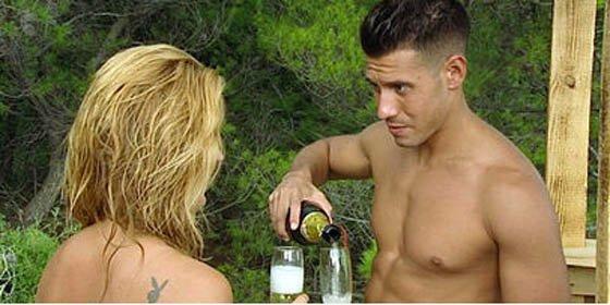 El bulo del año: el concursante de 'Adán y Eva', ingresado por meter su pene en una botella de sidra