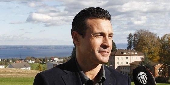 Salvo desvela el ofertón de Lim para compar el Valencia