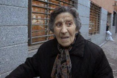 """La anciana desahuciada en Vallecas no se traga lo de Botella: """"Es un brindis al sol"""""""