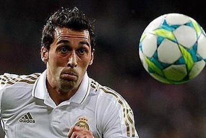 Arbeloa se cae de la lista del Real Madrid ante el Málaga debido a un proceso febril