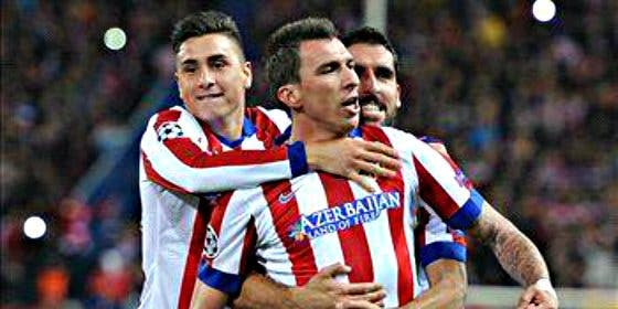 El Atlético de Madrid vence al Deportivo 2-0 con la sombra de los graves incidentes de Madrid Río