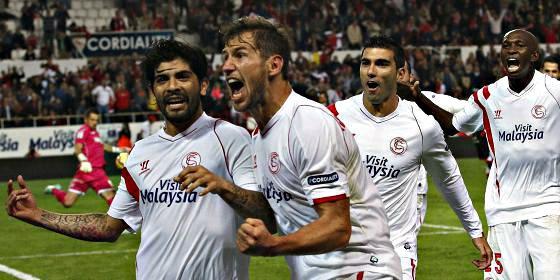 Bacca y Reyes devuelven la sonrisa al Sevilla que le casca un 5-1 al Granada
