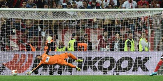 Su agente no descarta su salida del Sevilla