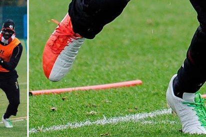 Balotelli sorprende con sus nuevas zapatillas