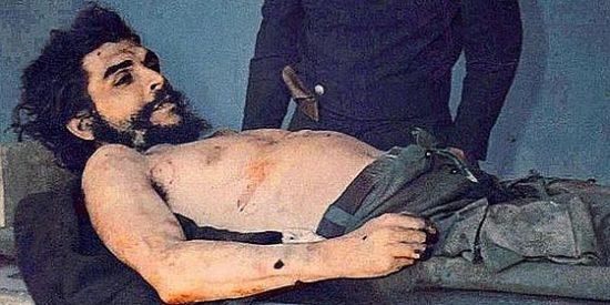 Las fotografías del cadáver del Che que estaban olvidadas en un pueblo español