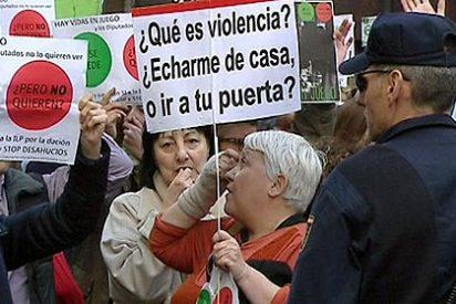 Aquí no hay quien viva: 'Escrache' a un juez y a funcionarios en los juzgados de Plaza de Castilla