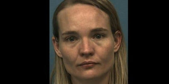 Detenida por intentar hacerle un 'solo de flauta' a la fuerza a un amigo de su esposo