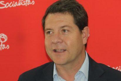 García-Page se compromete a readmitir a los interinos de manera inmediata