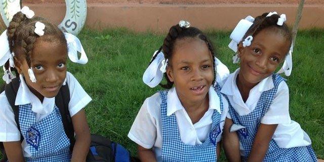Más de 16.400 jóvenes de 11 países construyen una escuela superior en Haití