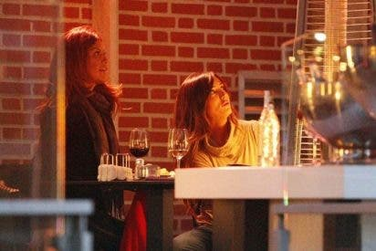 Ivonne Reyes y Marta González disfrutan de una tarde de amigas