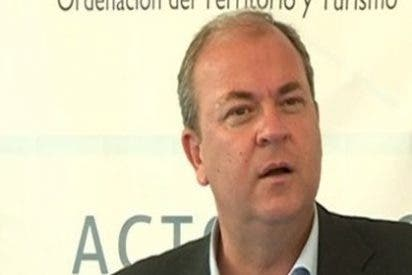 """Monago pide al Senado la relación de """"viajes de trabajo"""" a Canarias"""