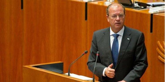 Monago comparece en el Parlamento de Extremadura para explicar sus viajes a Canarias
