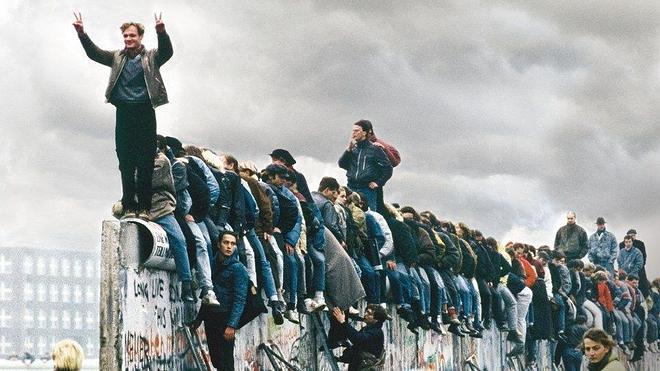 España: La era del Muro y los años felices