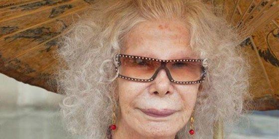 """La Duquesa de Alba pasa la noche """"bien"""" y se está recuperando, según uno de los médicos del Hospital"""