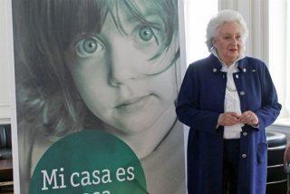 Doña Pilar en su faceta más solidaria, presenta la nueva edición del rastrillo