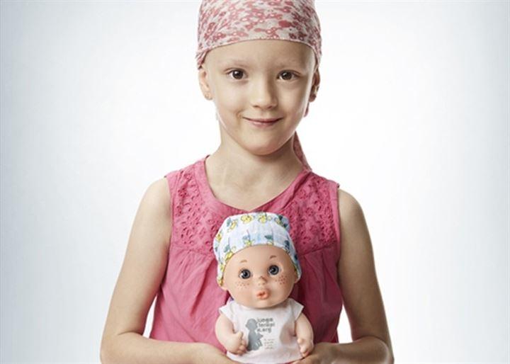 Los 'Baby Pelones', los muñecos que homenajean a los niños con cáncer