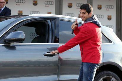 Messi y los jugadores del FC Barcelona reciben sus coches Audi