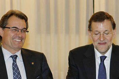 Tertsch reparte estopa a Rajoy y Mas por hacer de España una 'Bananenrepublik'