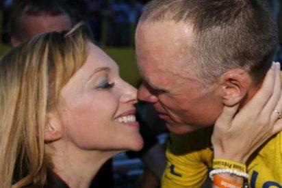 La mujer que criticó a Contador en Twitter... ¡se casa con Froome!