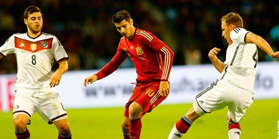 España se ahoga con la lluvia y el gol de Kross en el amistoso de Balaídos